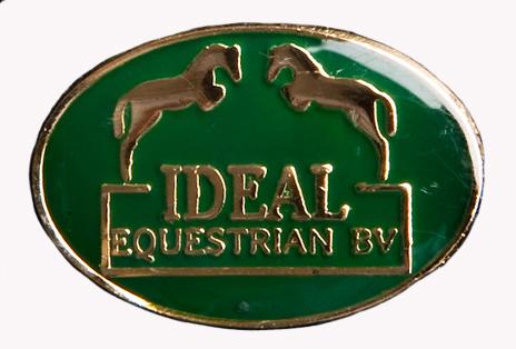Nicole voor Menners heeft de service kunnen uitbereiden met Ideal equestrian dealer schap!!